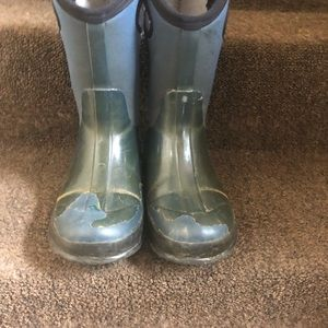 Youth bogg boots size 3